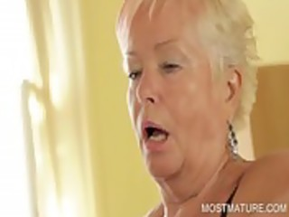 older hottie working longing body