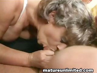 mommys ass getts fingering