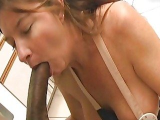 magnetic bruentte mother i with biggest milk