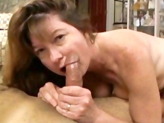 brunette hair d like to fuck with huge muffins