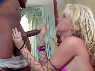 hot golden-haired mama in fishnet nylons eats and