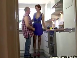 euro chick in nylons receives her puusy eaten in