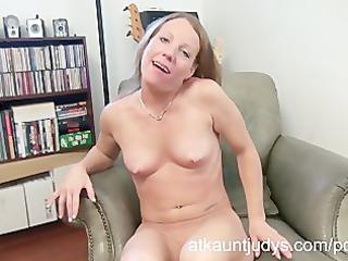 hot older alyssa dutch masturbates