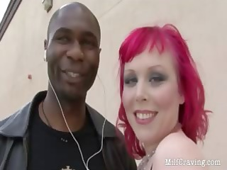 nasty d like to fuck receives her pierced vagina