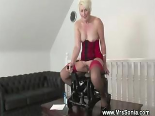 mature plays with sex machine