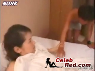 sleeping japanese mommy screwed by lad