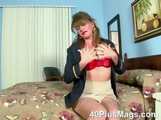 watch this extraordinary sexy mature dark brown
