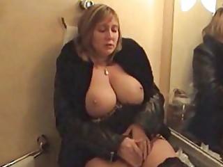 breasty aged big beautiful woman ho in leopard