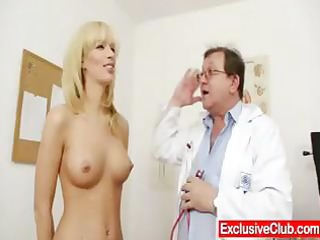 sexy blond mother i bella morgan visits the