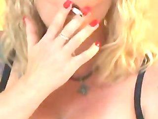 hot older cougar in underware smokin and fucking
