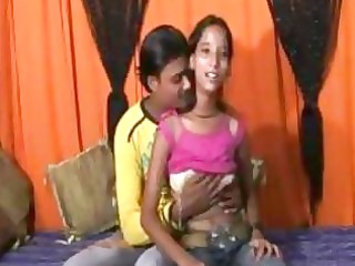 an 116 year mumbai cute hotty doing sex with her