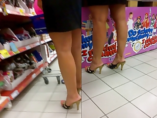 candid hawt milfs feet in pumps