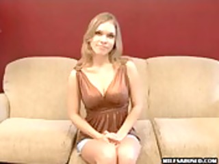 blond mother i chick gets her fur pie licked and