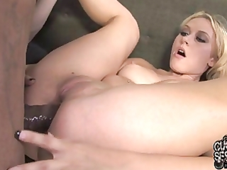 cuckold watching his wife booty screwed with