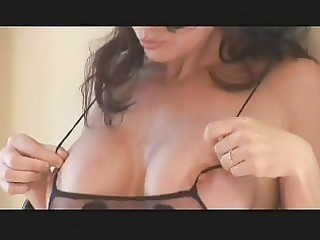 very breasty d like to fuck
