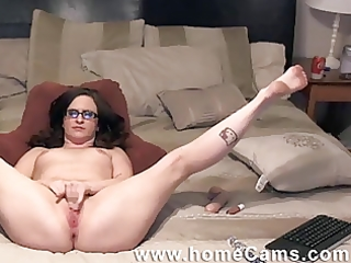 friends mama caught masterbating on homecams.com
