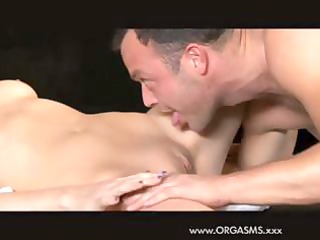 dark brown d like to fuck cleans up her muff and