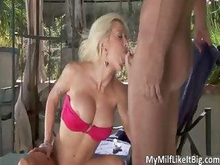 hawt blond mother i helly hellfire blows