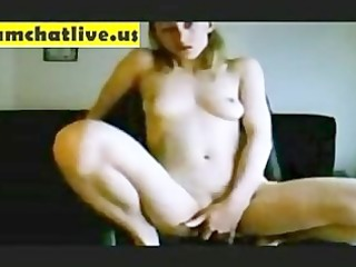 nude cutie maturbating on cam