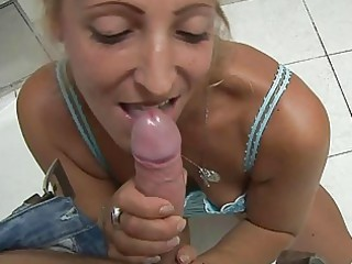 tanned horny blonde momma gives blowjob in pov
