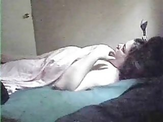mamma solo. hidden cam in her daybed room
