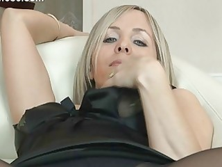 sexy golden-haired mother i in hose uncovers her