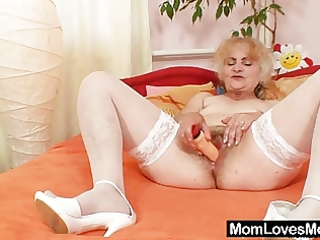 older dominika old pussy gaping and masturbation
